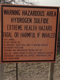 Hydrogen sulfide warning sign